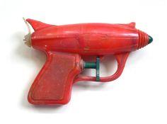 Pistola ATOMICA space gun water pistol http://egardeningtools.com/product-category/watering/sprayers/