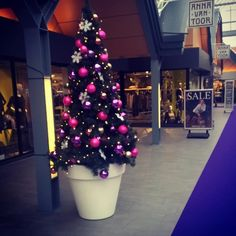 Counting the days until Christmas, love to see this beautiful Christmas tree in the pure round #christmas #pure #decoration tanks for sharing!