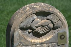 Headstone symbolism by billiongraves.com