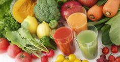 Juicing is beneficial to your health and easy to do. How to start juicing and some easy juicing recipes to get you started in your healthy juicing habit. Sumo Detox, Dietas Detox, Detox Kur, Detox Plan, Detox Foods, Healthy Food Recipes, Juice Recipes, Whole Food Recipes, Water Recipes