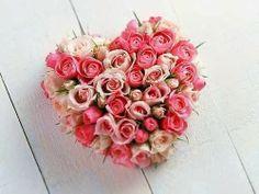 Composition de roses en forme de coeur pour lui prouver votre amour