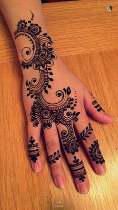 Mehndi Designs For Beginners, Henna Designs Easy, Beautiful Henna Designs, Mehndi Designs For Fingers, Mehndi Art Designs, Mehndi Patterns, Latest Mehndi Designs, Nail Designs, Beautiful Tattoos