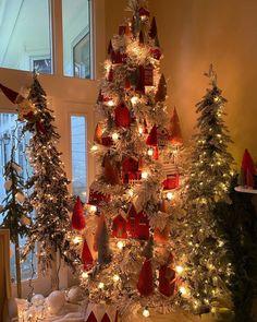 Family Christmas, Christmas Holidays, Christmas Decorations, Xmas, Holiday Decor, Christmas Trees, Red Houses, Village Houses, Dream Home Design