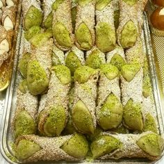 Pasticceria f.lli Gangi- specialità al pistacchio  Cannoli al pistacchio expo del pistacchio dop Bronte 2015