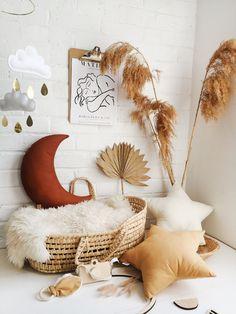 Baby Shower Themes Unisex, Unisex Nursery Themes, Nursery Decor, Nursery Ideas, Nursery Mobiles, Star Nursery, Room Decor, Boho Nursery, Nursery Inspiration