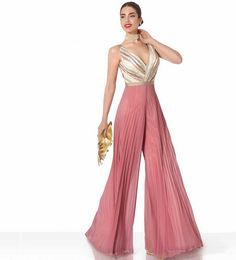 Jump into That Jumpsuit! Luxury Clothing Brands, Designer Clothing, Silvester Outfit, Palazzo Jumpsuit, Party Kleidung, Designer Jumpsuits, Jumpsuit Outfit, Overall, Indian Designer Wear