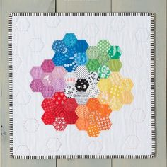 Hexagon Mini Quilt | Craft Gawker | Bloglovin'