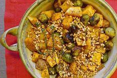 Οι πατάτες, οι κολοκύθες, τα λαχανάκια και τα σωστά συνδυασμένα σαλατικά μπορούν να δώσουν στο τραπέζι χρώμα, γεύση και μαγκιά που συχνά λείπει από τους θεωρούμενους πρωταγωνιστές.