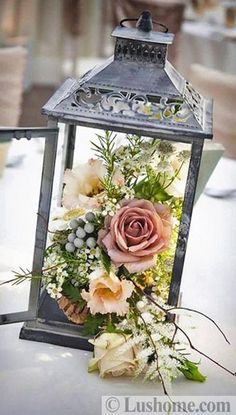 Christmas Table Decorations, Decoration Table, Centerpiece Decorations, Yard Decorations, Wedding Decorations, Wedding Themes, Vintage Wedding Centerpieces, Lantern Centerpiece Wedding, Lantern Wedding