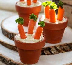 Hummus Dip with Fresh Veggies! Healthy snack for St. Patrick's Day or Easter class party! Easter Snacks, Easter Treats, Easter Recipes, Holiday Recipes, Easter Appetizers, Easter Food, Snack Recipes, Dinner Recipes, Hummus Dip