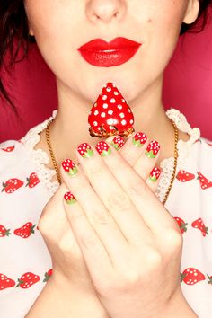 keiko lynn: Makeup Monday: Strawberry Nail Tutorial