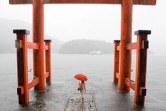 https://flic.kr/p/542Kb4 | Hakone Shrine 箱根神社 | Lake Ashi, Hakone, during a typhoon. 台風中の芦ノ湖。