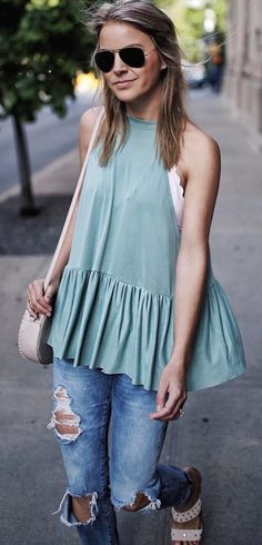summer outfits   Khaki Top + Destroyed Skinny Jeans