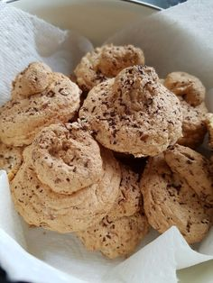 Slimming world coconut macaroons 1 syn each from Pinch of Nom website