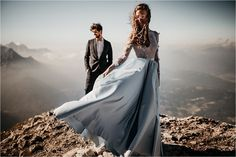 Wedding Images can be beautiful and artistic. This is why you have to check out our shortlist of the best wedding images from 2019 Photographers Near Me, Best Wedding Photographers, Wedding Photoshoot, Wedding Shoot, Photoshoot Ideas, Portrait Images, Blue Wedding Dresses, Outdoor Wedding Venues, Couture