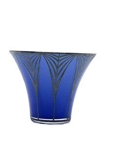 Art Noveau art glass vase with silver overlay; deep blue color glass with a fine silver overlay which shows a beautiful decor; a beautiful Art Nouveau piece; Jugenstil Vase mit Silberauflage #artnouveau #jugendstil #jugendstilvase #artnouveauglass #blueglassvase #artglass #kunst19bybg #antiqueshop #vienna