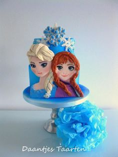 My first Frozen cake ! Yes really it is my first😄 And wow these girls are hard to make! And really had to let it go 😄 The little girl loved it !I I was not really satiisfied but hey it was my first frozen cake 😄 Disney Frozen Cake, Frozen Theme, Frozen Party, Frozen Princess, Elsa Frozen, Princess Cakes, Torte Frozen, Frozen Fondant, Disney Dishes