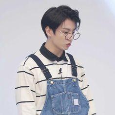 Jungkook Glasses, Bts Jungkook, Rhythm And Blues, Music People, Popular Music, My King, Pop Music, Kpop, Celebrities