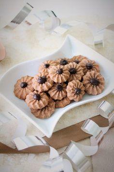 Juhlavat Suklaaruusut (munaton)