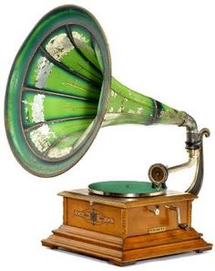 """506: French Horn Gramophone """"Pathéphone No. 4"""" : Lot 506"""