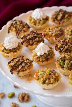 Baklava+Bites Lebanese Recipes, Turkish Recipes, Greek Recipes, Ethnic Recipes, Arabic Recipes, Bite Size Desserts, Köstliche Desserts, Delicious Desserts, Small Desserts