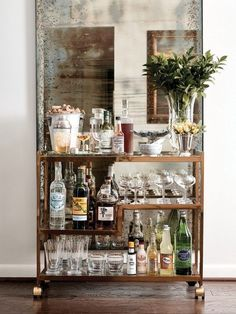 "Learn additional info on ""bar cart decor ideas"". Browse through our web site. Diy Bar Cart, Gold Bar Cart, Bar Cart Decor, Bar Chairs, Bar Stools, Lounge Chairs, Room Chairs, Best Decor, Bar Sink"