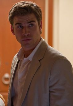 Check out 4 hot pictures of Liam Hemsworth in Paranoia - Check out 4 hot pictures of Liam Hemsworth in Paranoia - Hottest Male Celebrities, Celebs, Josh Taylor, Hemsworth Brothers, Australian Actors, Raining Men, Christina Hendricks, Chris Hemsworth, Hollywood Actresses