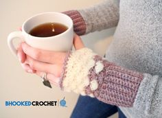 """""""Mom is going to love these beautiful shell stitch wrist warmers this mothers day! With only 110 yards of yarn and 3 or 4 hours, you can crochet a beautiful pair of crochet wrist warmers for mom. Crochet Fingerless Gloves Free Pattern, Crochet Mittens, Fingerless Mittens, Crochet Gloves, Crochet Pattern, Loom Knitting Patterns, Hand Knitting, Knitting Tutorials, Hat Patterns"""