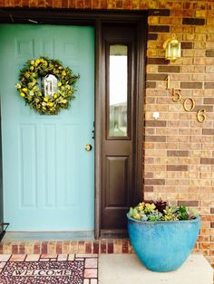 What an easy update! Idea for Lyndee's Front door. Annie Sloan Chalk Paint Front Door, Annie Sloan Chalk Paint Provence, Front Door Paint Colors, Front Door Decor, Front Porch, Painted Exterior Doors, Painted Front Doors, Painted Outdoor Furniture, Paint Furniture