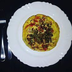 Janta de hoje: omelete (azeitona  tomate  meia fatia de queijo mussarela  orégano e temperinhos) Almoço: frango  purê de mandioca  salada. Melancia de sobremesa. Lanche da tarde: 1 banana  2 biscoito maizena. Antes de caminhar: pouquinho amendoim natural apenas torrado  uvas passas. #saude #vidasaudavel #viverbem #fitness #eacolhas #RA #foconadieta #dieta #reeducao #aprenderacomer #receita #fit #fitness #eueliminandopeso #antesedepois #magra #verao #proteina #foco #meta #objetivo #menos5kg…