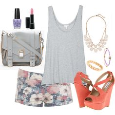 An outfit perfect for spring/summer. #floral #fashion #outfit