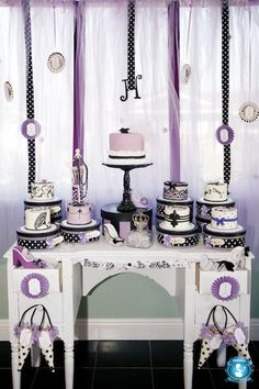 This is a cute way to set up the cake table since you will have a bunch of individual cakes!