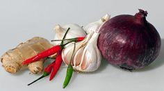 Healing Herbs, Raw Food Recipes, Onion, Ale, Vegetables, Health, Medicine, Health Care, Raw Recipes