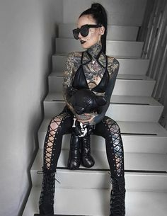Discover recipes, home ideas, style inspiration and other ideas to try. Girl Rib Tattoos, Girl Face Tattoo, Hot Tattoo Girls, Small Girl Tattoos, Cute Small Tattoos, Hot Tattoos, Monami Frost, Tattoed Women, Tattoed Girls