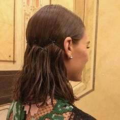 Always fun creating with @oliviapalermo And @danielmartin . A Sleek back for OP lastnight . ❤️❤️❤️❤️❤️ #HairByLacyRedway #oliviapalermo ( SWIPE FOR THR BACK VIEW )
