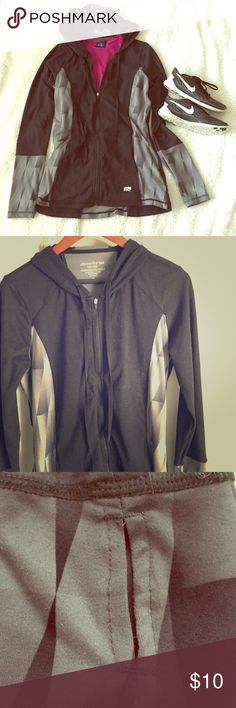Marika Tek Performance Wear Jacket Dry-Wik Performance Wear jacket from Marika. Jacket has signs of wear but still in great condition. Cuffs have thumb holes for extra warmth protection on hands. Very stylish and functional. Marika Jackets & Coats