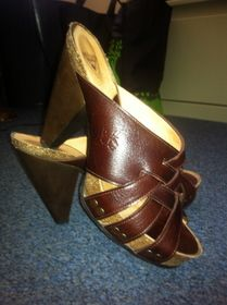 W8 Rules Curie in brown. Barely worn! $100