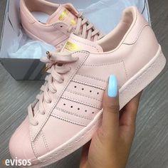Las mejores zapatillas Busca en evisos! #clasificados #vender