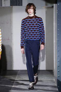 The complete Acne Studios Fall 2018 Menswear fashion show now on Vogue Runway. Fashion 2018, Fashion Week, Fashion Tips, Fashion Design, Men's Fashion, Seoul Fashion, Fashion Styles, Paris Fashion, Fashion Ideas