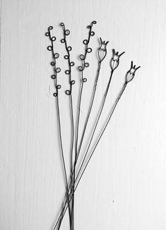 Bouquet 20 fleurs 2D & 3D fil de fer recuit fleur | Etsy Mural Floral, Floral Wall, Wire Art Sculpture, Very Beautiful Flowers, Bouquet, Wire Flowers, Deco Boheme, Types Of Yarn, Wire Crafts
