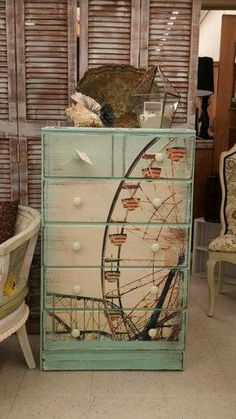 23 Furniture Ideas and Tips: Decoupage - Diy & Decor Selections - Diy Furniture Ideas Hand Painted Furniture, Refurbished Furniture, Paint Furniture, Repurposed Furniture, Shabby Chic Furniture, Furniture Projects, Furniture Makeover, Furniture Stores, Bedroom Furniture
