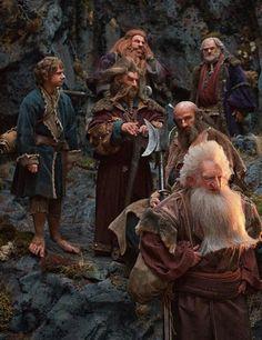 Dwarves at the hidden door of Erebor. Balin, Dwalin, Nori, Dori, Gloin.