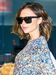 The Major Bag and Shoe Trends Victoria Beckham Is Endorsing via @WhoWhatWear