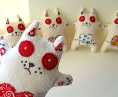 he he embroidered zombie kittens - can't really think of an excuse to buy these but they made me smile