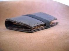robafattamman: Un nuovo portafogli a libretto in pelle riciclata