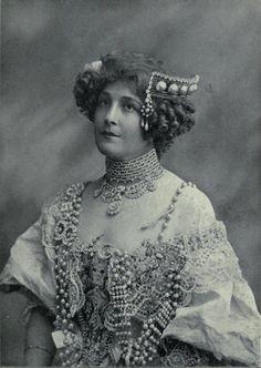 carolathhabsburg:    Miss Nellie Stewart, australian stage actress. 1908