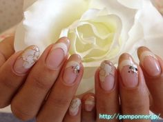 Camellia double French nail art that is enclosed in Lame    ラメで囲んだカメリアアートのダブルフレンチネイル    nailsalon pomponner