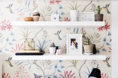 11 Best Inspiring First Apartment Decor Ideas For Couple Offering your initial apartment a make over may seem like an impossible endeavor, but it is less hard as you . Read Best Inspiring First Apartment Decor Ideas For Couple Study Room Decor, Cute Room Decor, Room Ideas Bedroom, Home Decor Bedroom, Ikea Bedroom Design, Bedroom Office, Wall Decor, Home Office Design, Home Office Decor