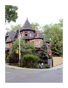Toronto house Toronto Houses, Exterior Design, Cabin, Mansions, House Styles, Home Decor, Mansion Houses, Homemade Home Decor, Manor Houses