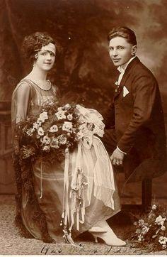 Bodas 1920's // 1920's wedding Veo este tipo de retratos y volvería a casarme mil veces :) #bodavintage #retratodeboda #tretratovintage